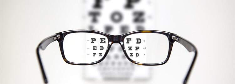 強度近視・乱視にも 対応した治療